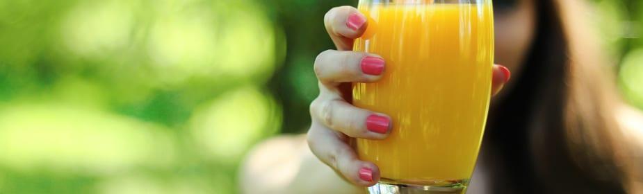 Zumo de limon uñas Consejos para tener unas uñas 10