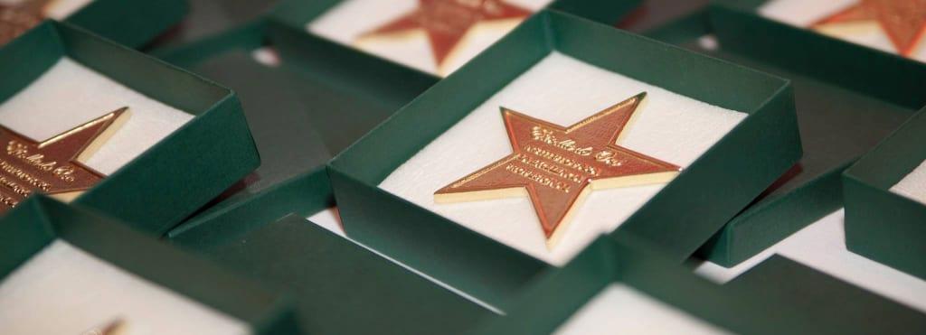 estrella oro 1024x371 Clínicas Zurich, Estrella de oro por su trayectoria y excelencia